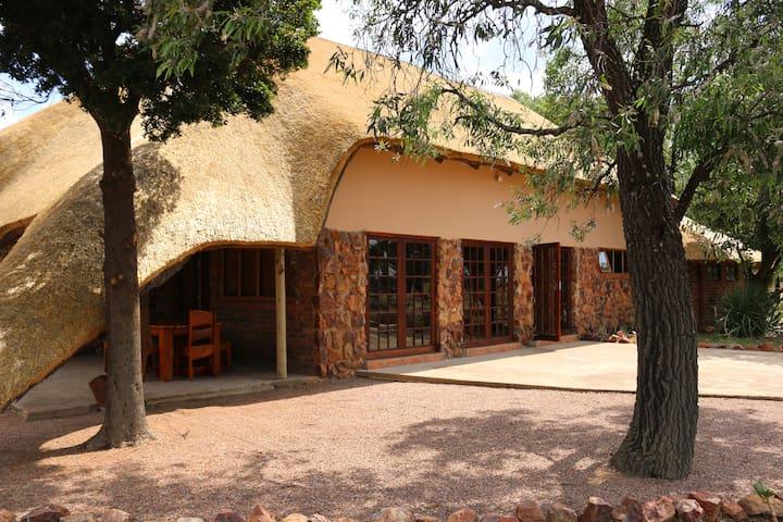 Owlsnest House, Luiperdskloof Safaris
