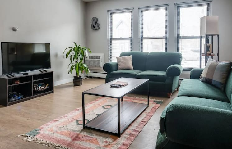 Simple 2BR on Artsy East Side | Walk to Brady St