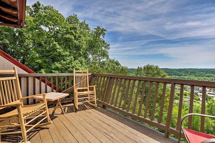 Burkesville Apt w/ Deck, Views & Pool Access!