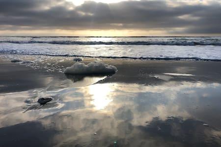 Ocean Retreat 3min walk to the vast shore