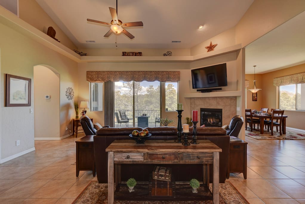 Open and Bright Family Room with Gas Fireplace