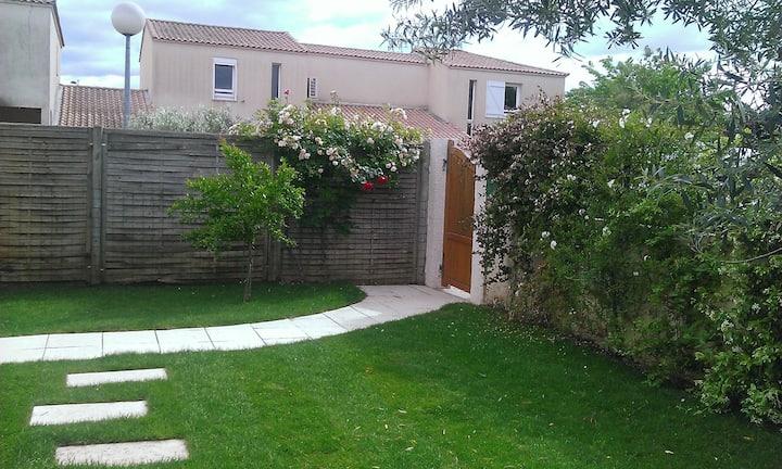 Comme à la maison : villa avec terrasse et jardin