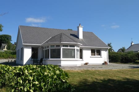 An Suantraí - Spa/Fenit area, 3 bed bungalow.