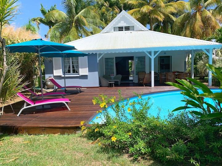 Charmante villa avec piscine proche de la mer