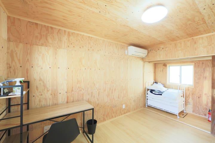 1階 寝室②