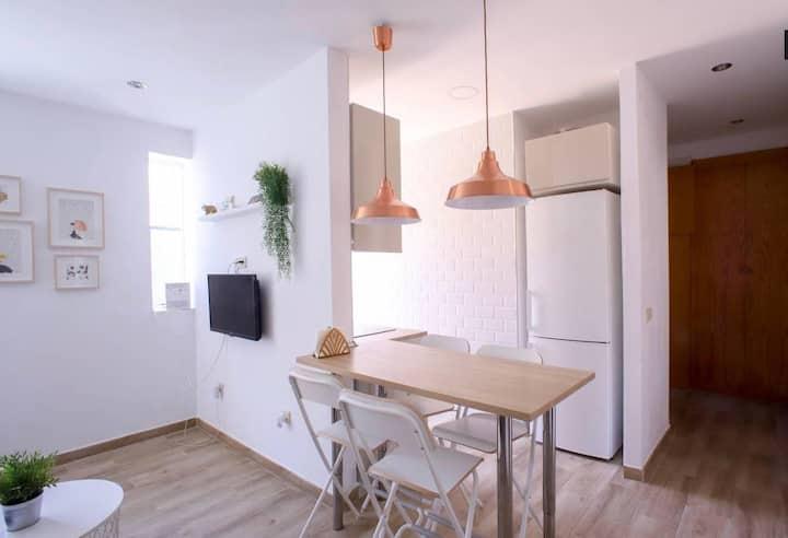 Habitación privada en fantástico apartamento.