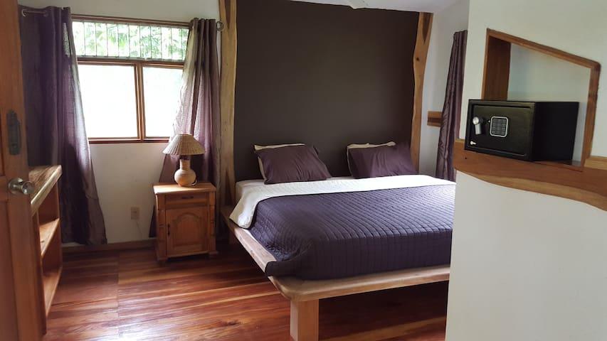 King Size Bedroom 3 Bamboo Ecolodge Cahuita