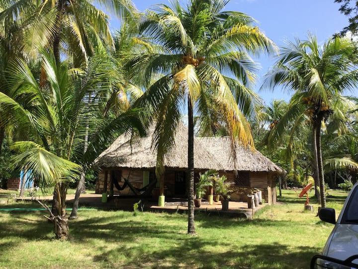Cabaña de Playa Apastepe.
