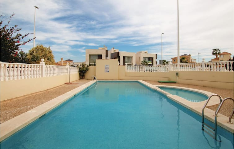 Terraced house with 3 bedrooms on 140m² in Orihuela
