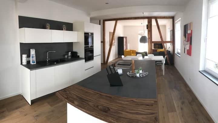 Moderne Altbauwohnung (100 qm), zentral und ruhig