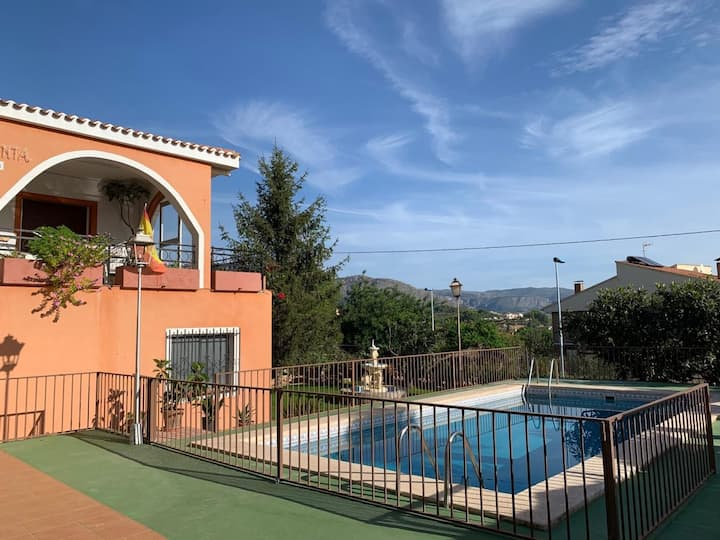 Villa rustica in Polop with private swimming pool