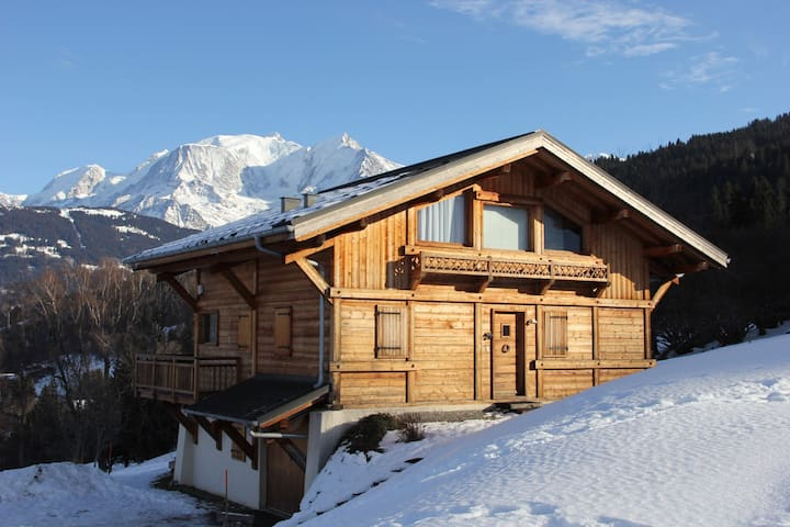 Charming Chalet With Great Views of Mont-Blanc