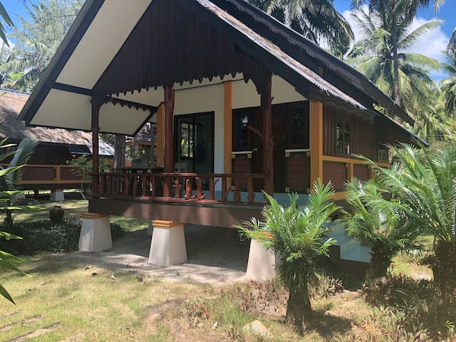 Chaloklum Bay Resort - Standard bungalow