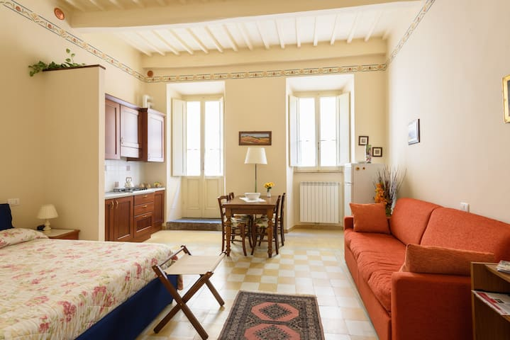 Monolocale Cortona per vacanze - Cortona - Apartamento