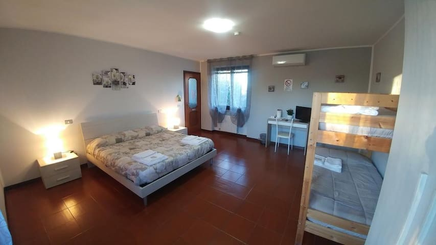"Camera Quadrupla  - Bed & Breakfast ""La Fiorente"""