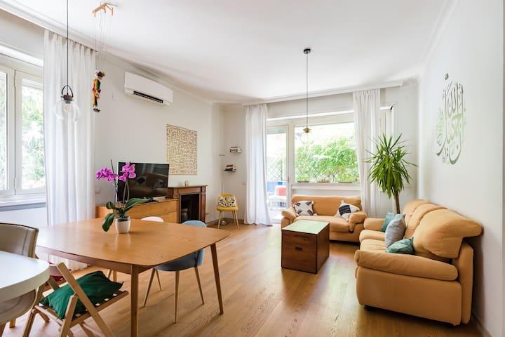 Tavolo E Sedie A Scomparsa.Vacation Homes Condo Rentals Airbnb