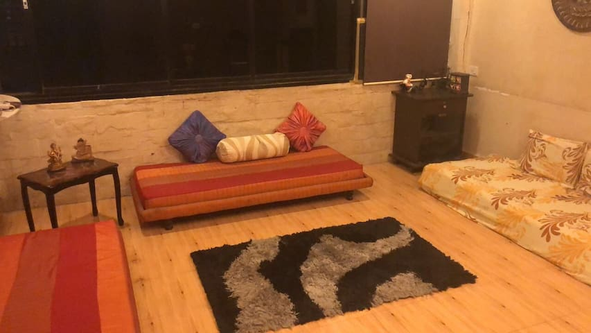 Ac Room - Centrally located in Mumbai