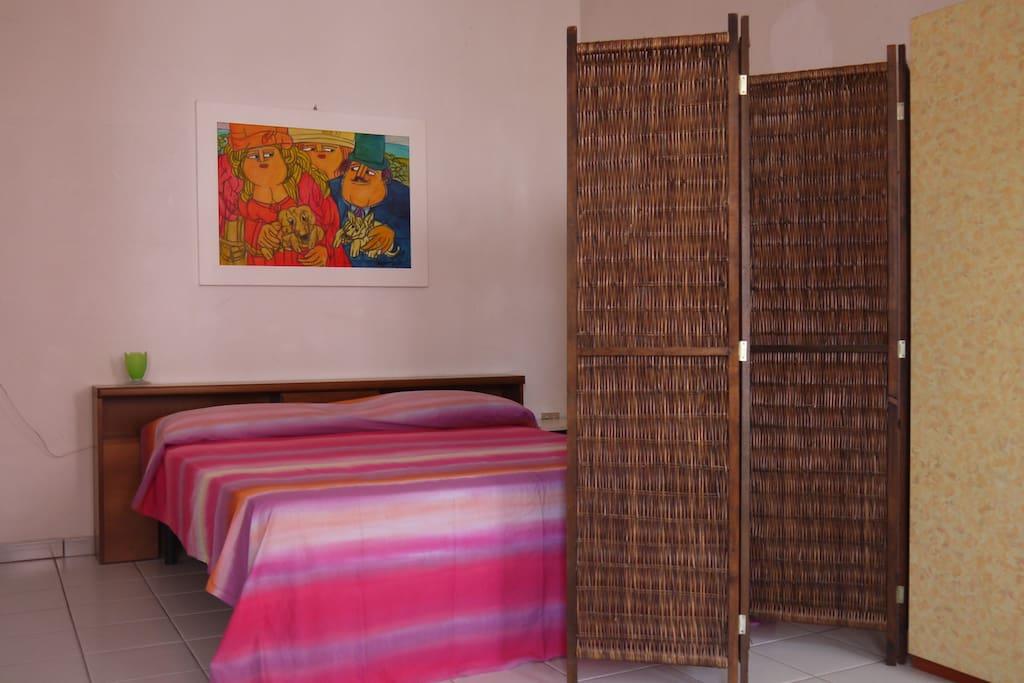 appartamento monolocale per due con servizi e angolo cottura . Leuca