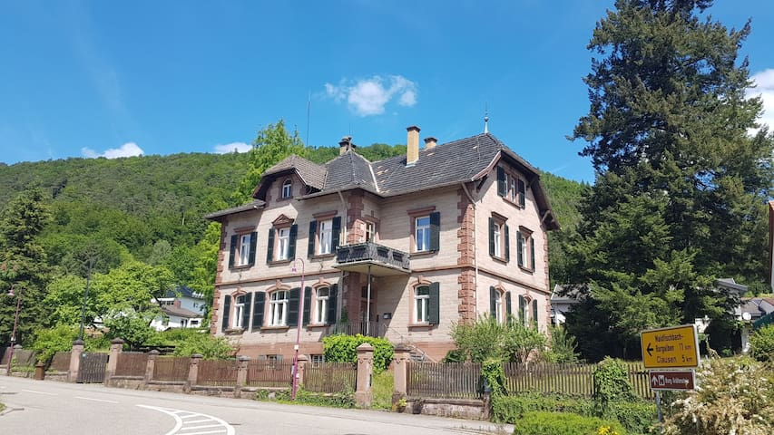 Altes Forsthaus Merzalben Zimmer 2