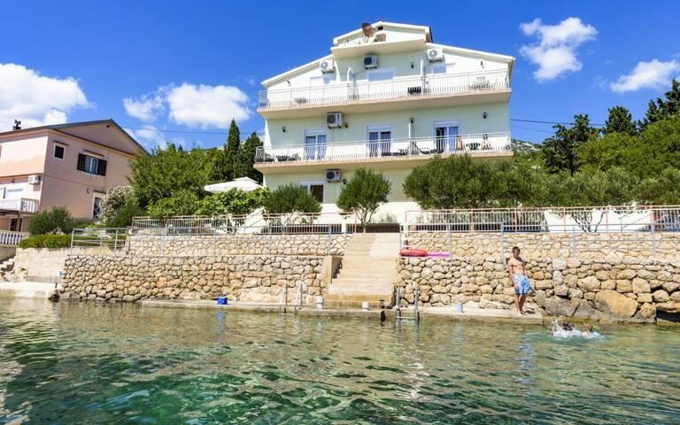 Studio appartement Domagoj SA4 crveni(2) Lukovo Sugarje, Riviera de Senj