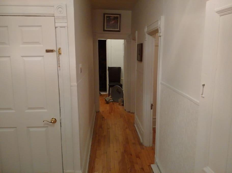 Entrance hallway (evening)