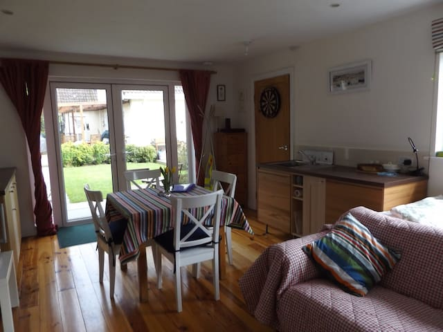 Private studio in Newcastle Co. Wicklow - Newcastle - Appartement
