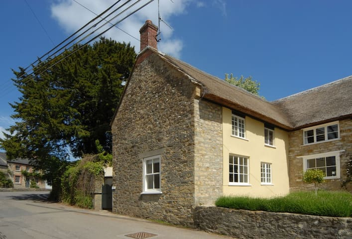 Pear Tree Cottage (Dorset)