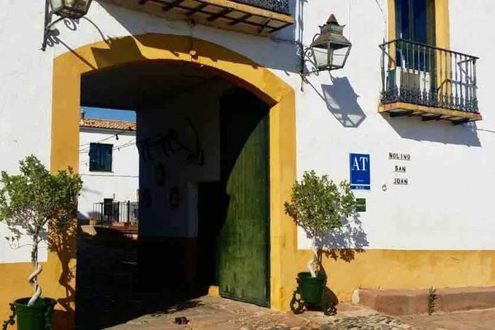 """Cortijo Molino S. Juan; Casa """"Mirador"""" 4 personas"""