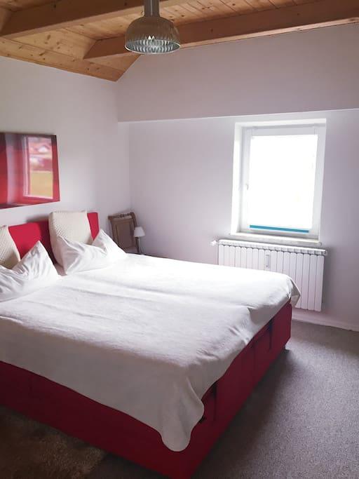 zimmer am weilheimer erholungsgebiet g gerl appartamenti in affitto a weilheim in oberbayern. Black Bedroom Furniture Sets. Home Design Ideas