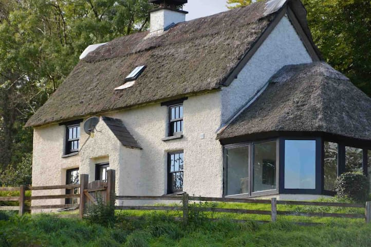 Double Room in Thatched Cottage