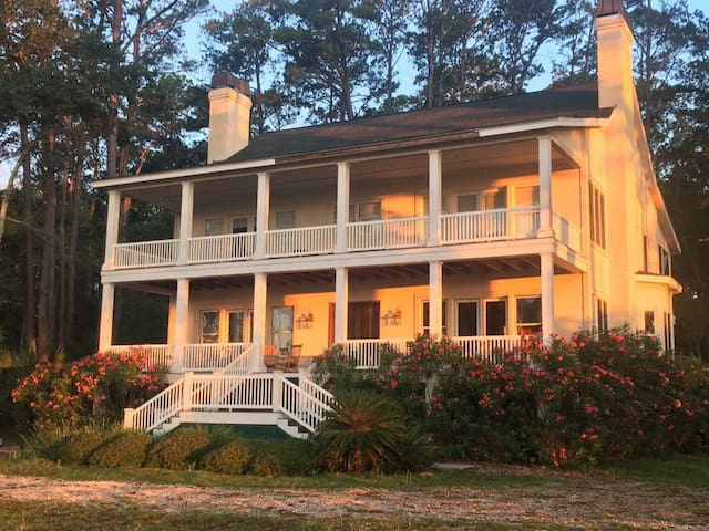 Enjoy Daufuskie Island on Melrose