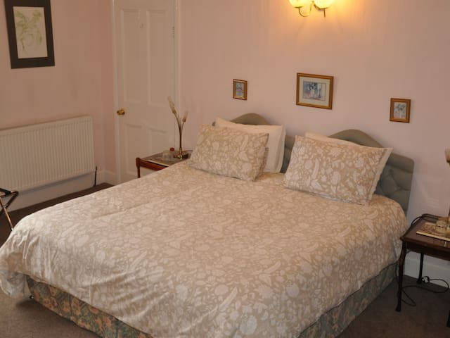 Double / Twin Room with Shower over Bath