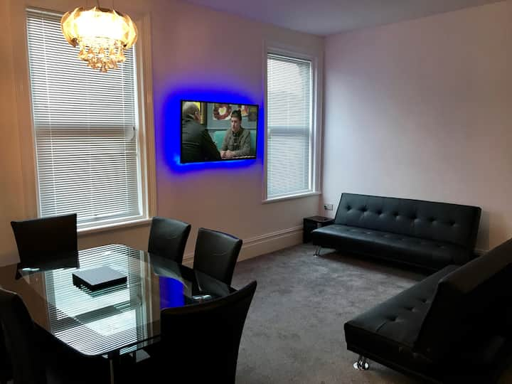 NEW Contemporary apartment Blackpool town centre