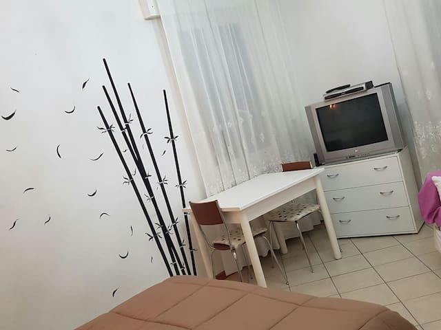 FREE PRIVATE PARK WIFI LOVELY ROOM EASY TO VENICE - Mestre - Byt