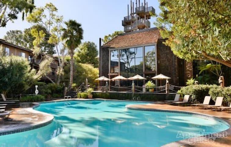 Marina Del Rey with Pool and Jacuzzi !!!s - Marina del Rey - Apartment