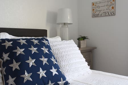 Vega Suite -Near Lackland AFB & attractions