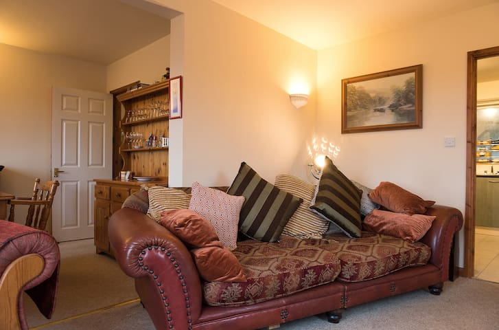 Homely, two bed, spectacular views! - Looe - House