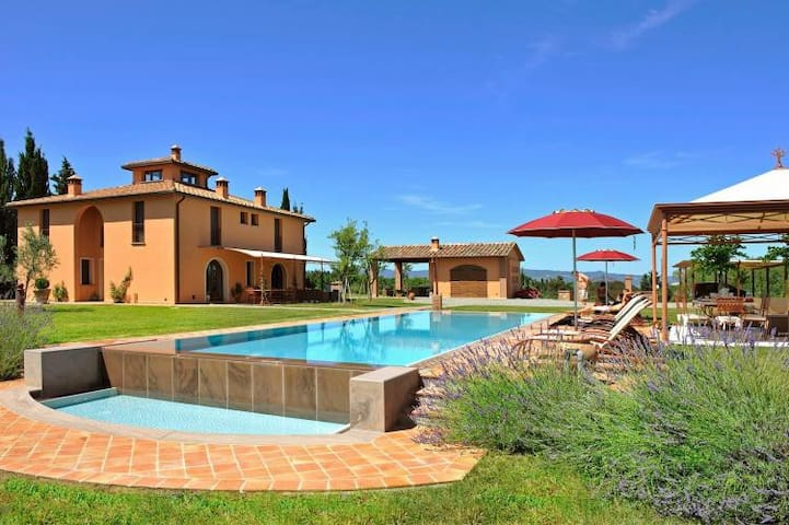 Luxury villa with private garden & Jacuzzi pool