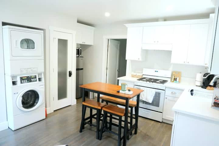 Comfortable and private unit near Rose Bowl