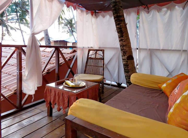 Art Resort's Sidesea View Cottage at Palolem Beach