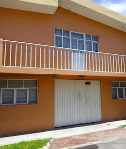 Private, clean, best area! - Puebla - House