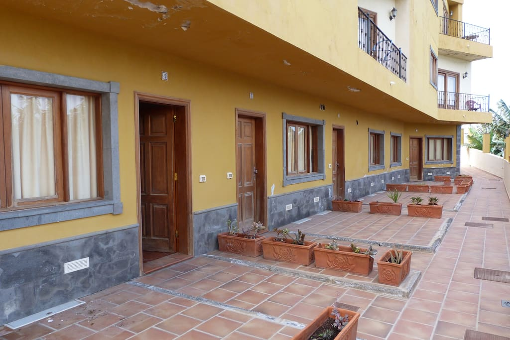 Terrace and entrance.