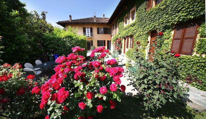 """Cascina delle Rose Barbaresco """"La Legnaia"""" w/ view"""