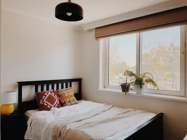 A cozy room in Elsternwick