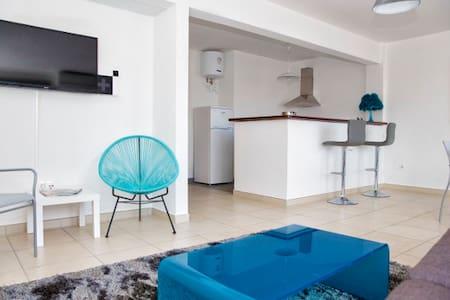 Appartements T2 ou T3 / tout équipé / Centre Ville - Lakás