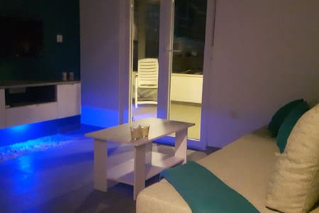MarineBlue Apartment *** - Haus