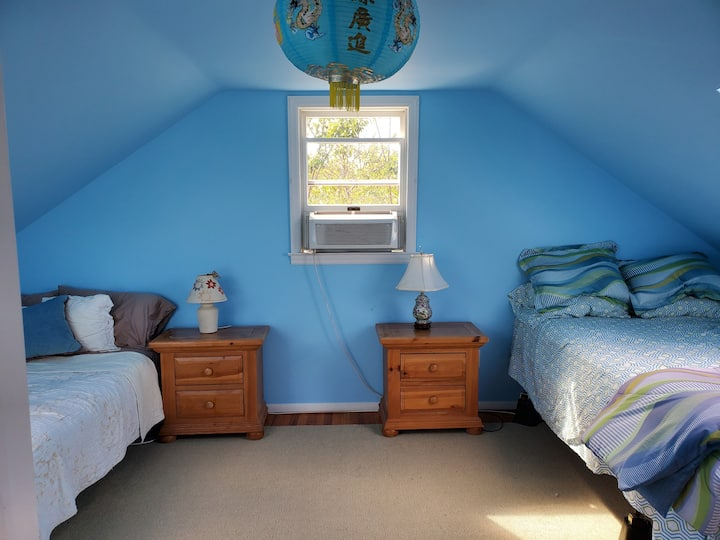 SAG HARBOR  Large room for rent year round