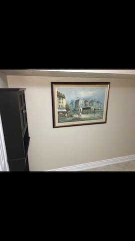 Basement for rent   7min from  YYZ airport.