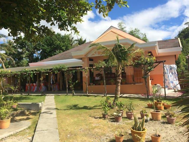 Gerd's Hideaway Beach House - Santa Maria - Dom