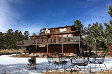 Escape the rat race in our gorgeous mountain house - Pine